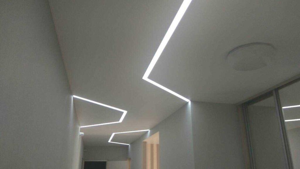 световые линии натяжные потолки фото