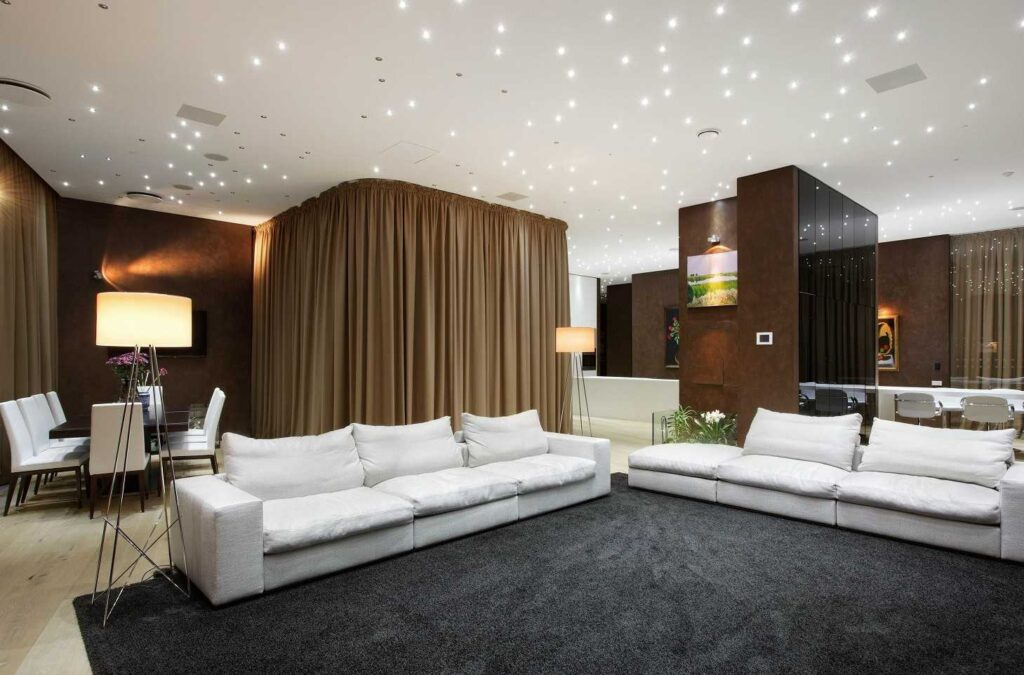 Натяжные потолки в гостиной комнате Кривой Рог  звездное небо